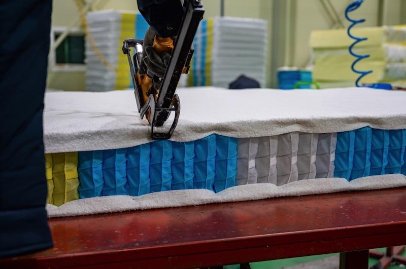 zsakrugós gerinckímélő matrac